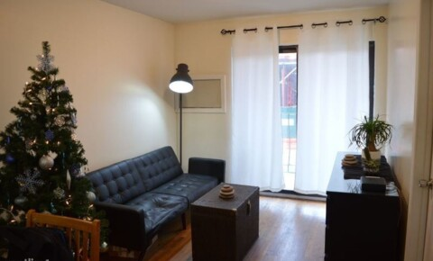 Apartments Near Adelphi 89 Stockton St 3 for Adelphi University Students in Garden City, NY