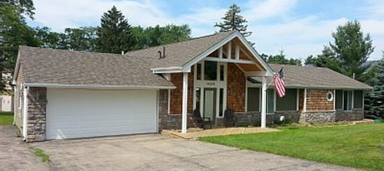 4 bedroom Muskegon County