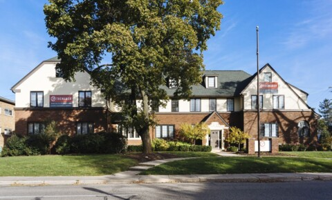 Apartments Near MSU The Manor for Michigan State University Students in East Lansing, MI