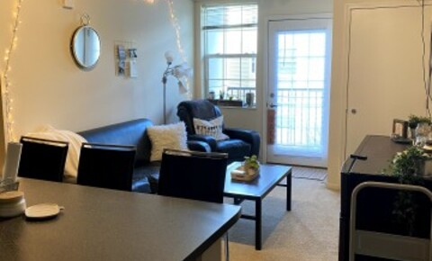 Sublets Near Hamline 2 Bedroom w/Shared Bathroom (in a 4 bd/2 ba) for Lease for Hamline University Students in Saint Paul, MN