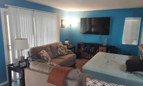 Apartments Near RCC 1140 W Blaine St Apt 201 for Riverside Community College Students in Riverside, CA