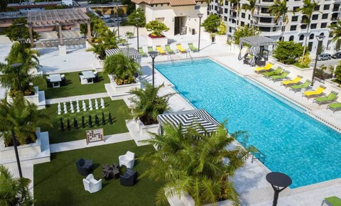 Apartments Near Florida Memorial AMLI Dadeland for Florida Memorial University Students in Miami Gardens, FL