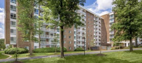 $895 / 2br - 950ft2 - Discounted Bright & Modern 2B2B: mid-July to October, Near UMD/Metro (Greenbelt)