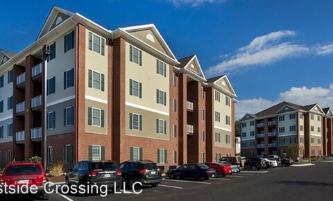 Apartments Near Radford 1207 Lawrence St. A-P for Radford University Students in Radford, VA