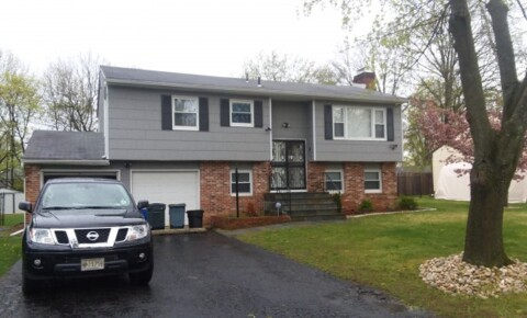 Apartments Near Trenton TCNJ House Available for Trenton Students in Trenton, NJ