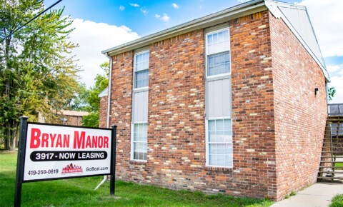 Apartments Near UT HSC Bryan Manor for University of Toledo Health Science Campus Students in Toledo, OH