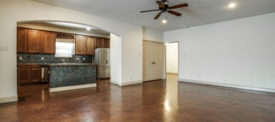 2 Open Rooms w/ 3 Awesome Housemates- $950/month
