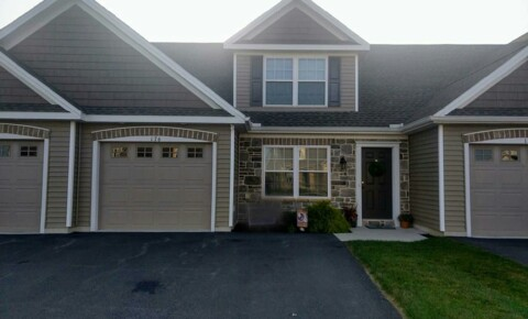 Houses Near E-town 176 Randolph Dr for Elizabethtown College Students in Elizabethtown, PA