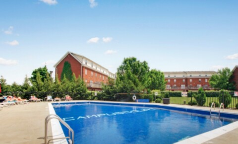 Apartments Near Midway Campus Court At Red Mile- UK's Best Off-Campus Apartments! for Midway College Students in Midway, KY