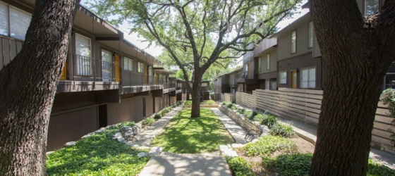 2 bedroom Alamo Heights